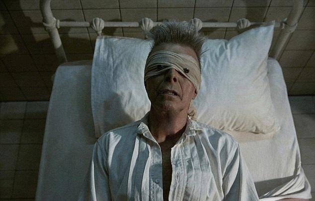 David Bowie v posledním klipu k písni Lazarus.
