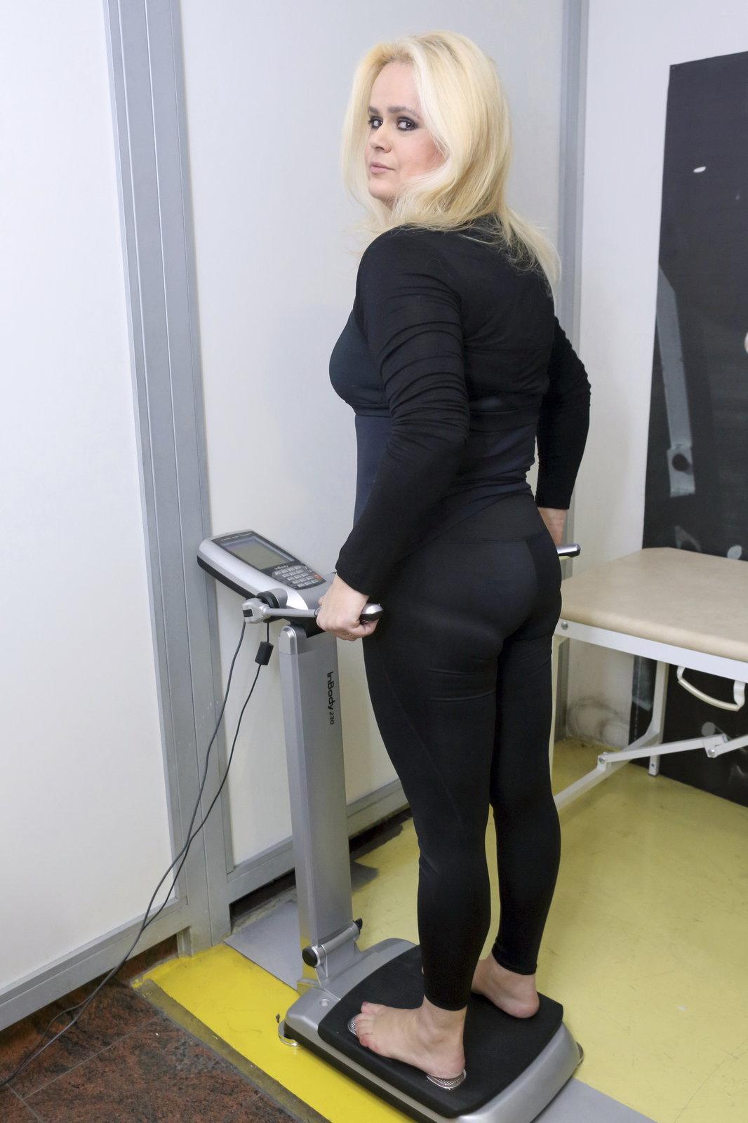 Součástí cvičebního programu je i vážení.