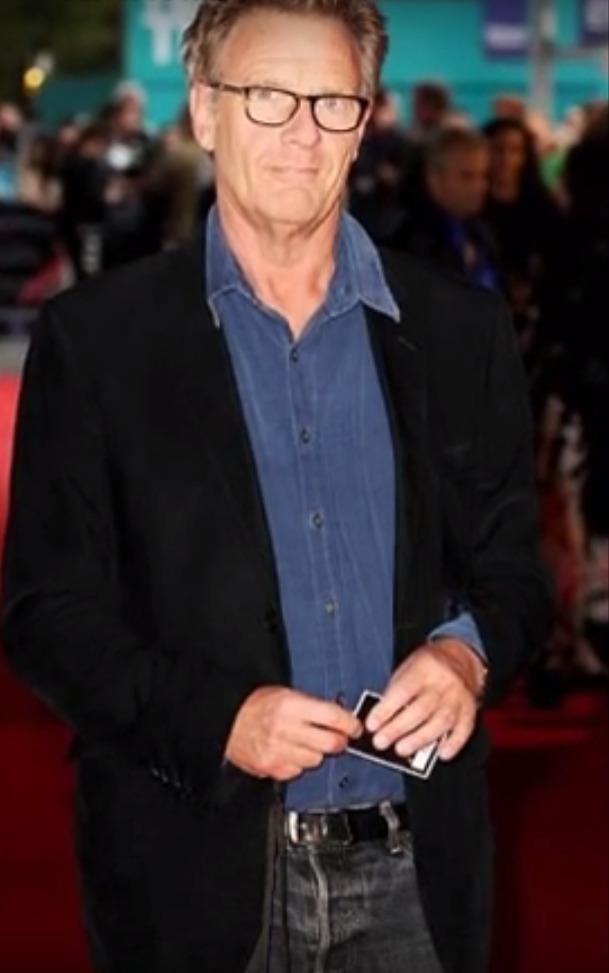 Robert Fox, přítel Davida Bowieho, patřil k málo lidem, kteří věděli o zpěvákově nemoci.