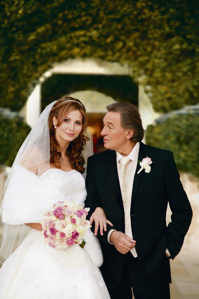 2008 - Utajená svatba s Karlem v Las Vegas.