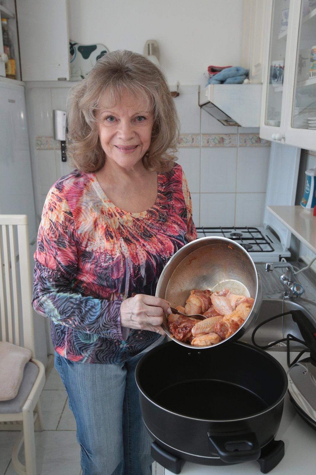 Eva Pilarová je vyhlášená kuchařka, s Doubravou se ve vaření často trumfují.
