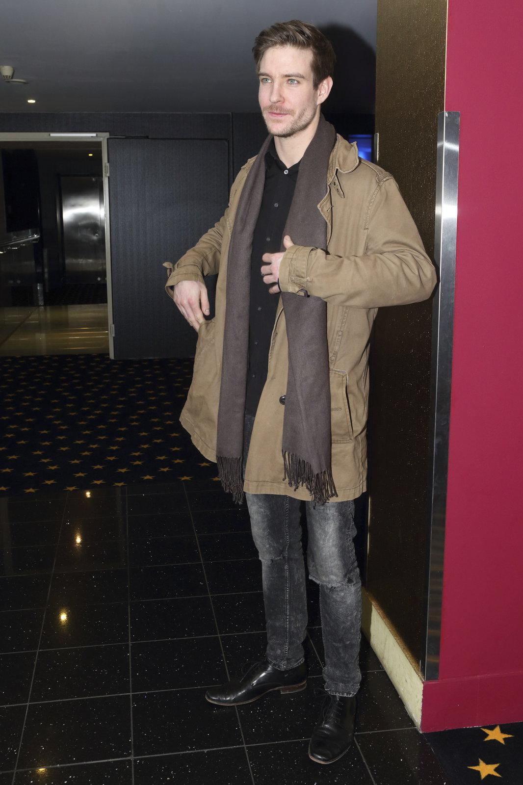 Syn Bolka Polívky a Chantal Poullain Vladimír přišel do kina sám.