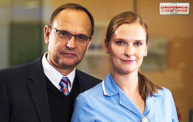 Kamila Kikinčuková si s otcem Pavlem Kikinčukem zahrála v seriálu Ordinace v růžové zahradě.