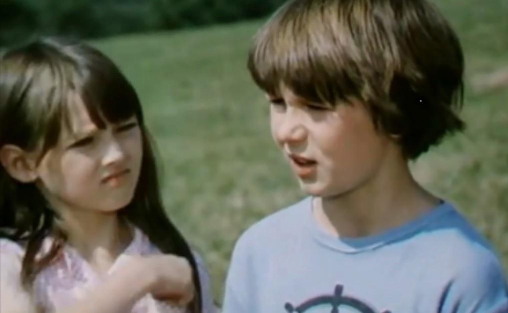 Tomáš Holý s Monikou Kvasničkovou ve filmu Prázdniny pro psa.