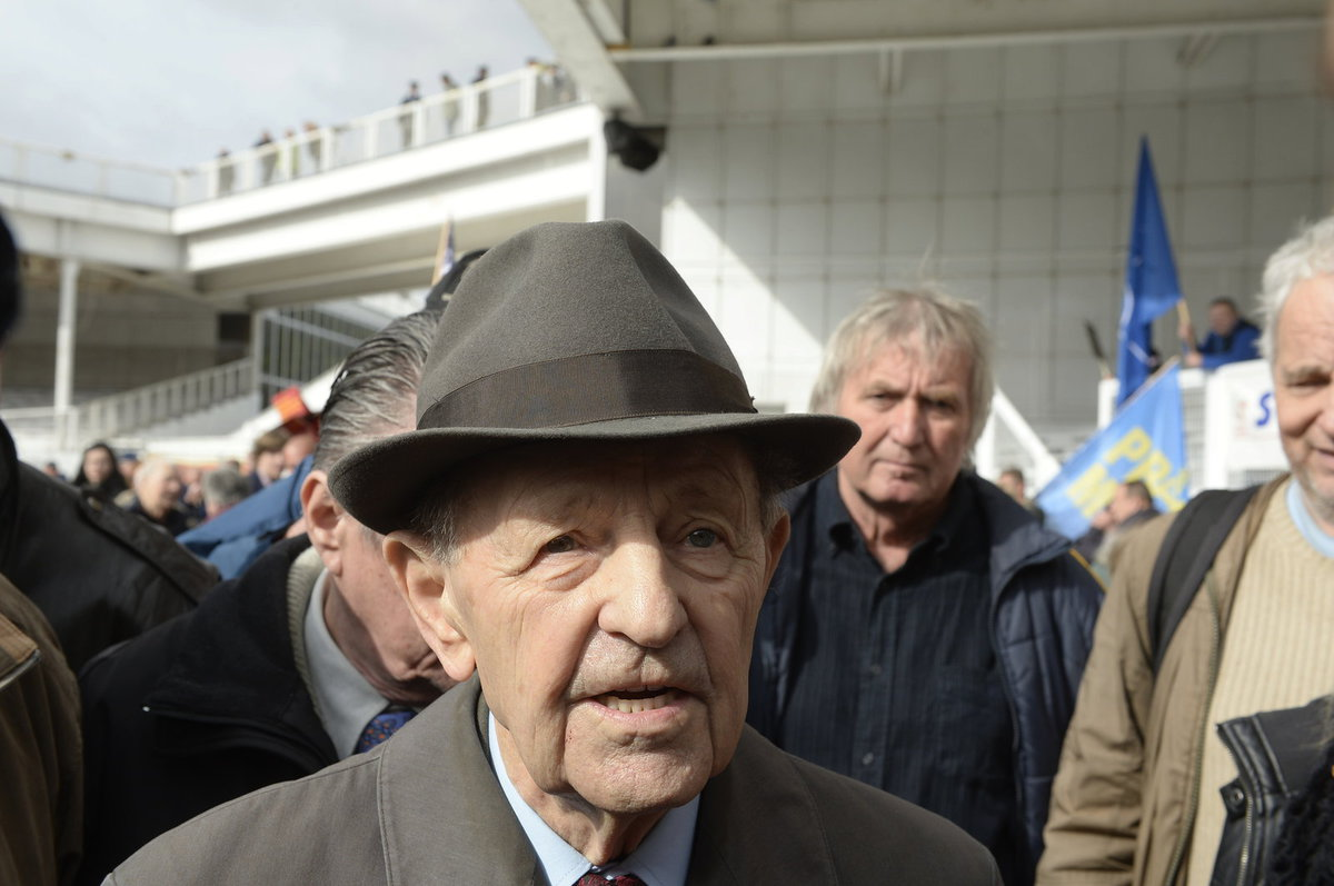 Bývalý generální tajemník ÚV KSČ Milouš Jakeš