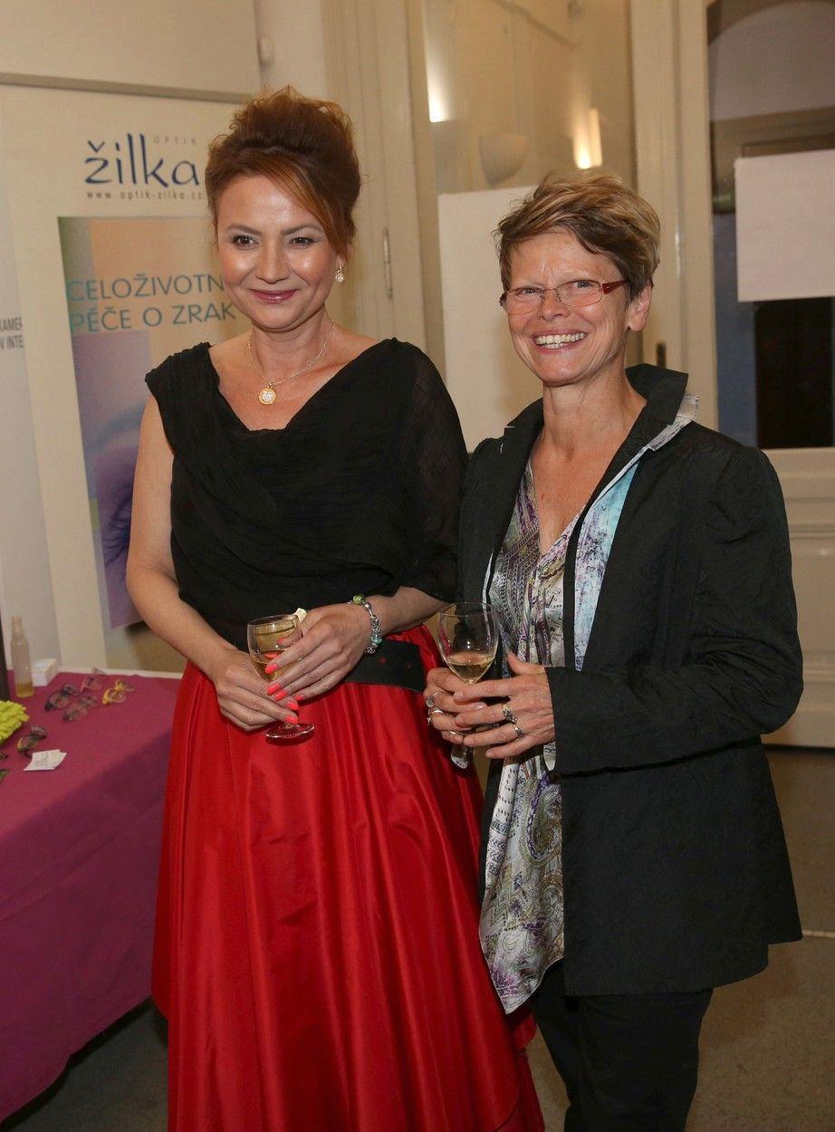 Jolana s návrhářkou Ivanou Follovou