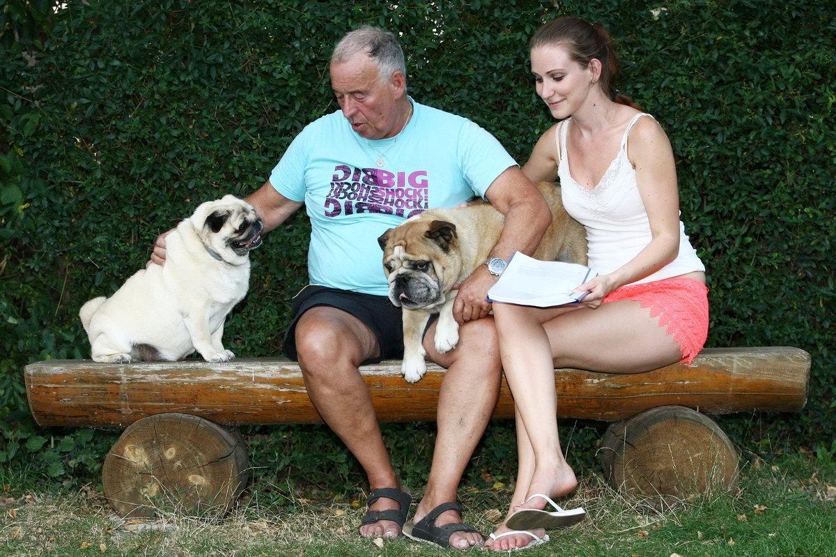 Ivan Vyskočil s přítelkyní Romanou mají dva psy.