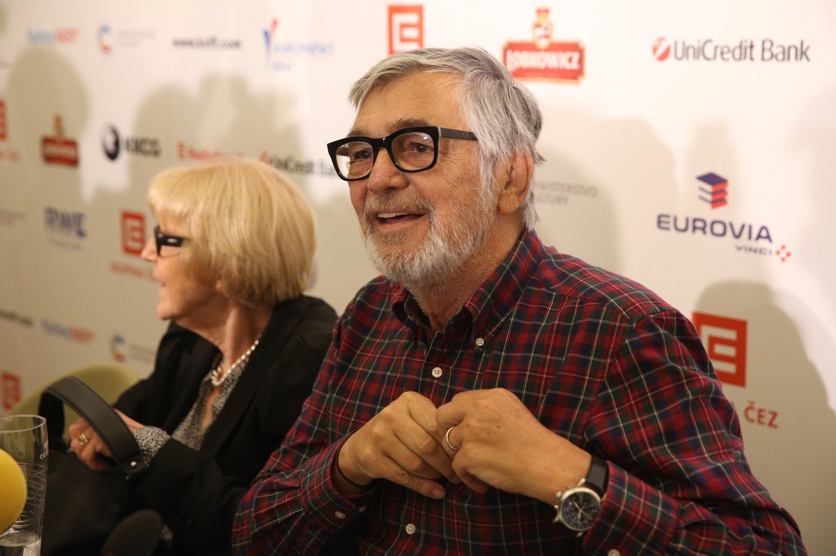 Jiří Bartoška na tiskové konferenci k 51. ročníku MMF Karlovy Vary.