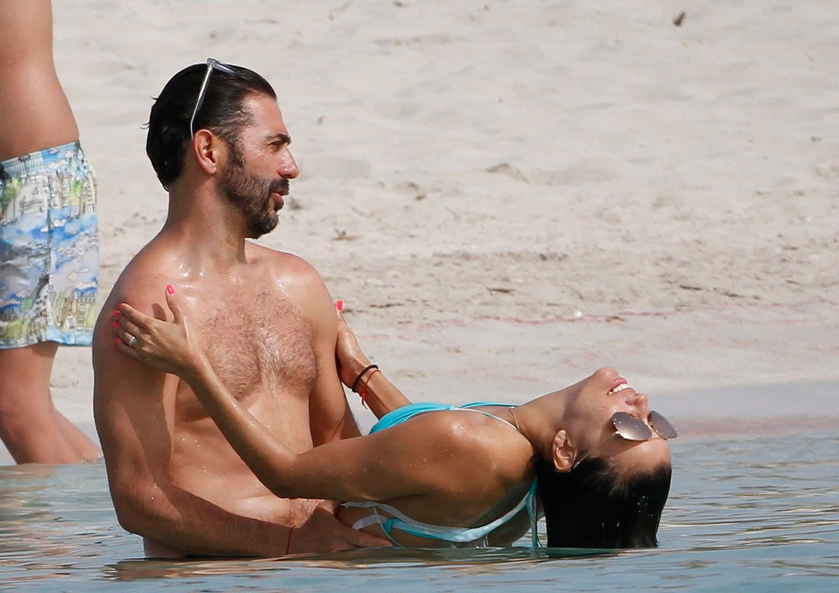 Eva Longoria s manželem na dovolené na ostrově Formentera.