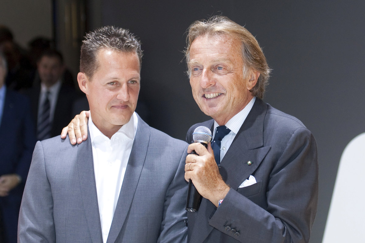 Schumacherův stav se podle jeho přítele lepší.