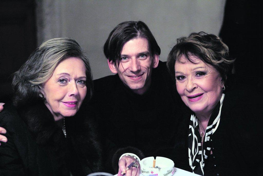 Jiřina Jirásková (vlevo) spolu s režisérem Jiřím Strachem a Jiřinou Bohdalovou