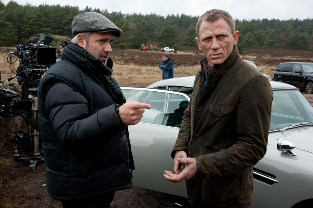 Režisér Sam Mendes s hercem Danielem Craigem při natáčení bondovky Skyfall