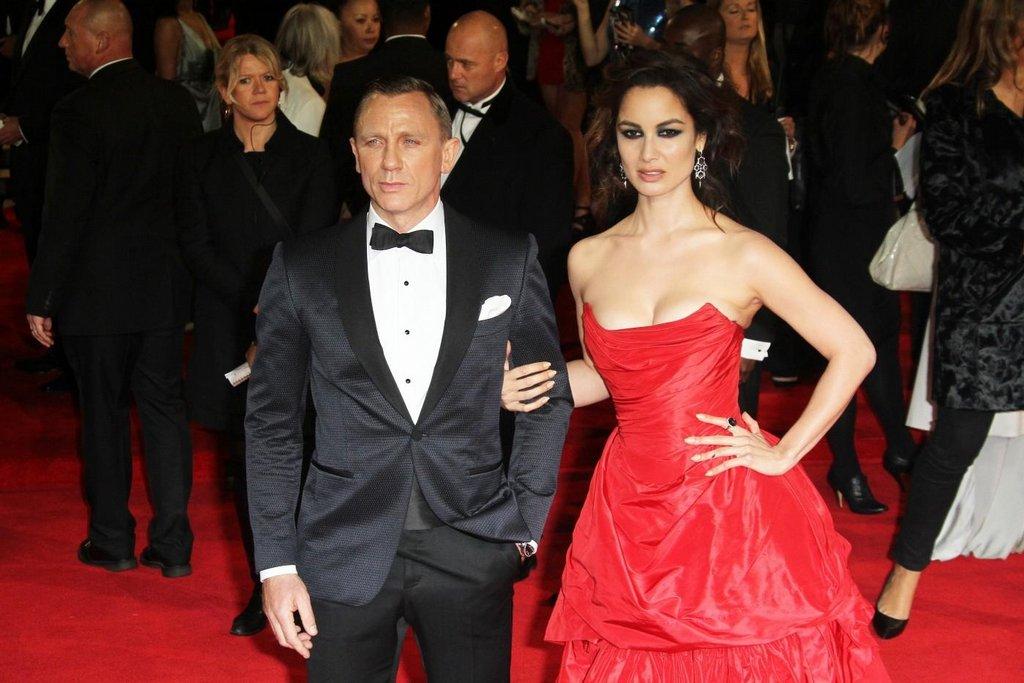 Daniel Craig a Berenice Marlohe na premiéře nového filmu o agentu 007