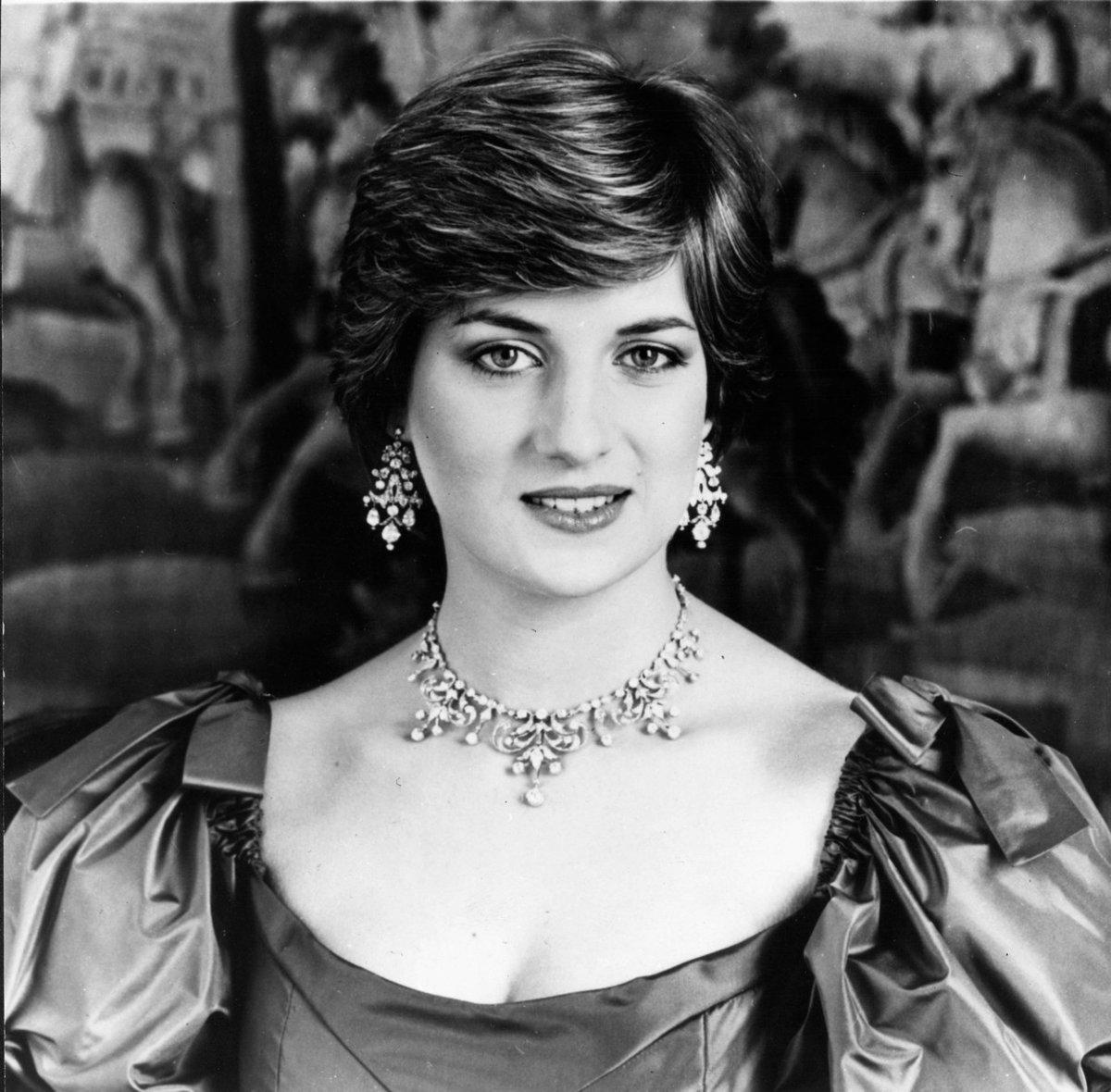 Diana v roce 1983, den po jejím svatebním dni.