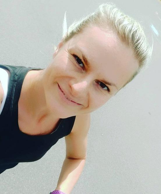 Iva Pazderková si ráda fotí selfie