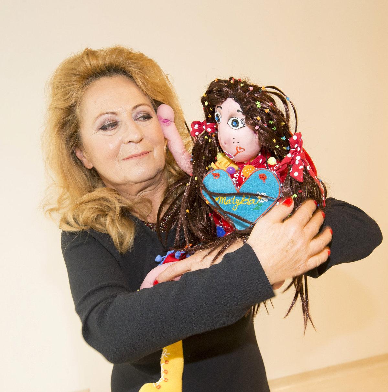 Simona Stašová se svou panenkou Matyldou.