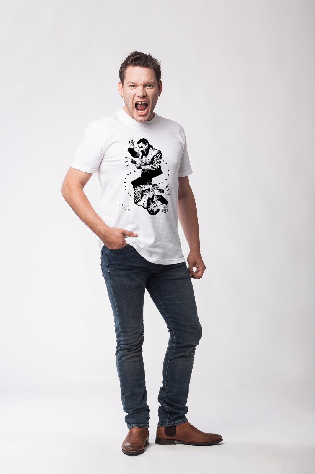 Matěj Ruppert ve vlastním tričku pro Klok.Art