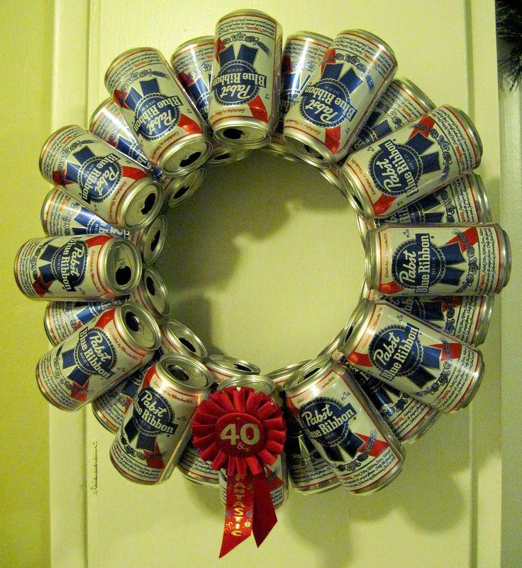 Věnec na dveřích je krásnou vánoční dekorací.