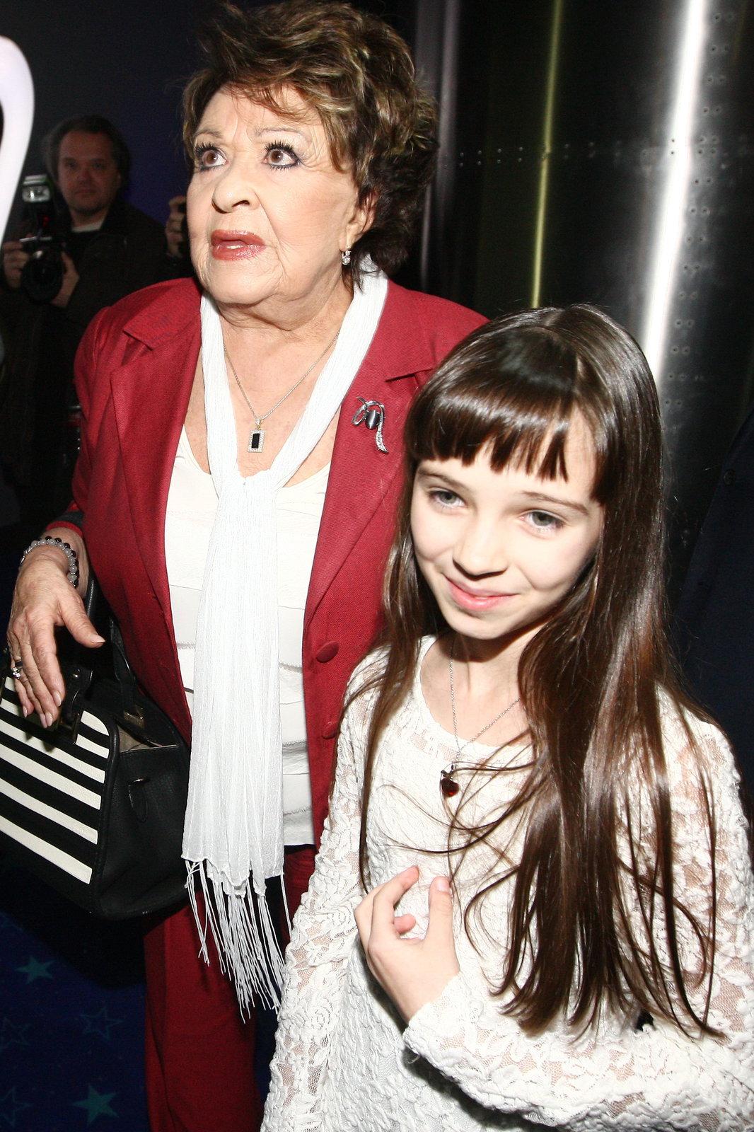Charlotta s Jiřinou Bohdalovou.