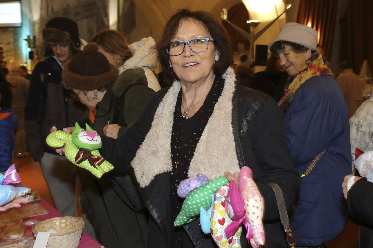 Marta Kubišová na vánočním bazaru Dagmar Havlové.