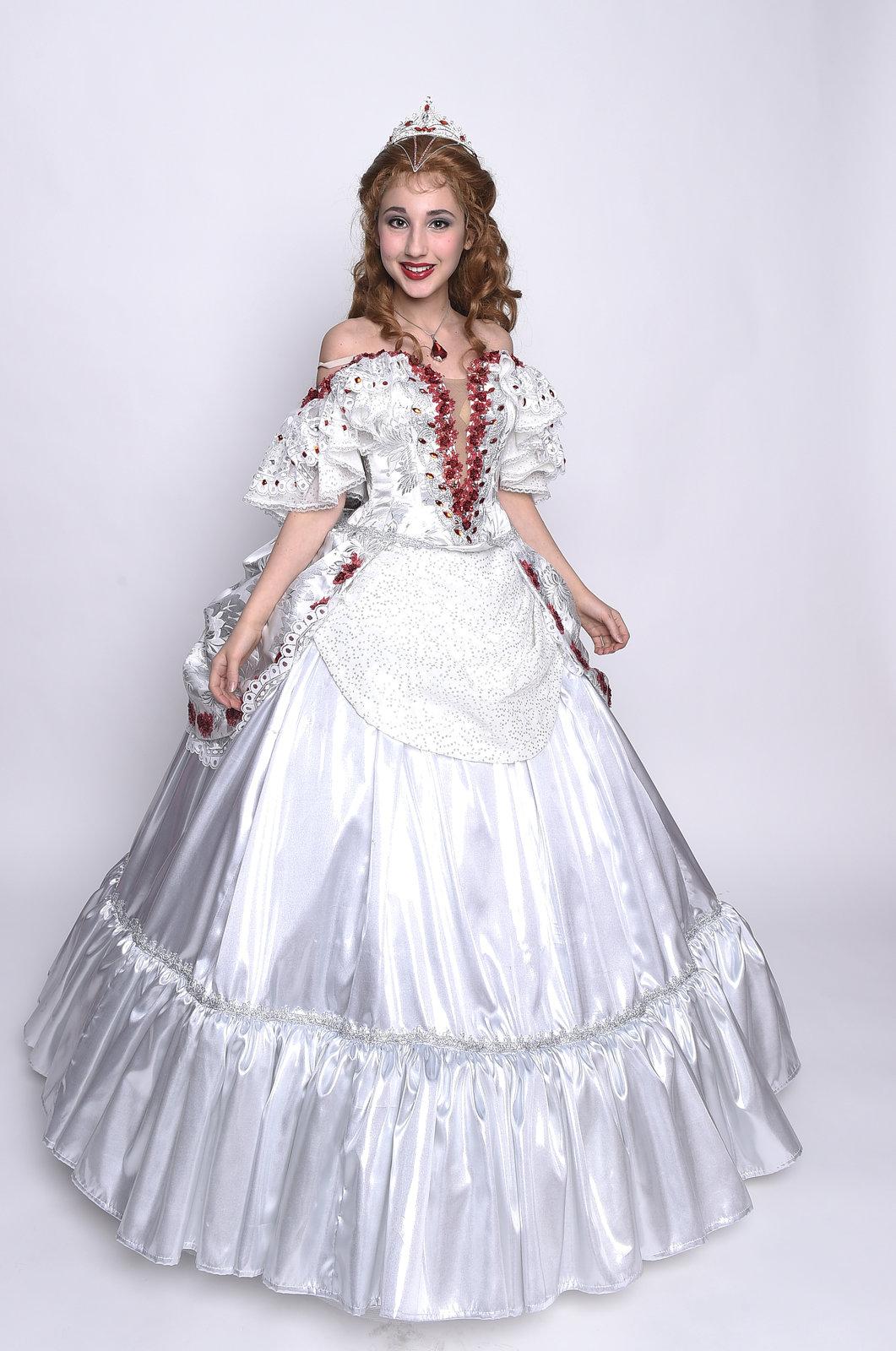 V šatech vypadá Natálka jako princezna.