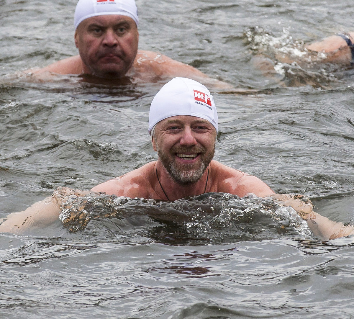 Ve vodě Langmajer vydržel několik minut.