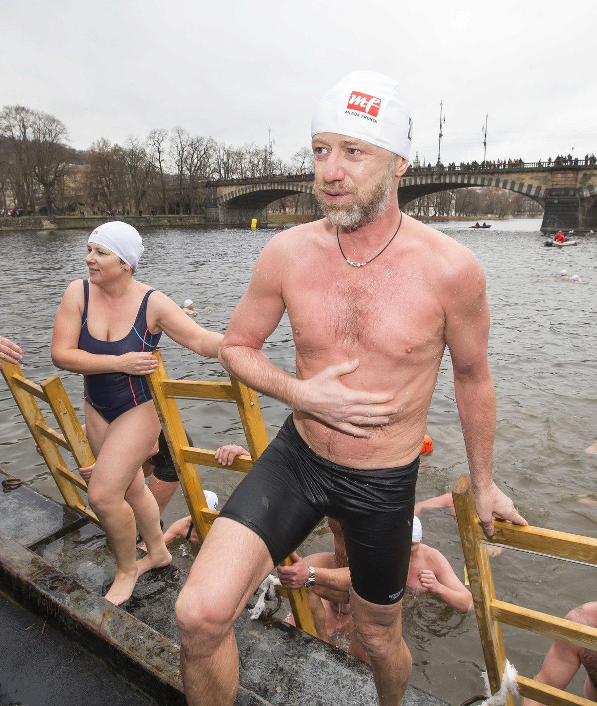 Když doplaval, netajil se radostí, že to má už za sebou.
