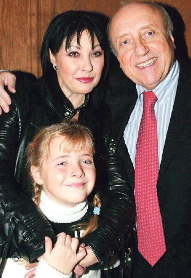 Dagmar Patrasová, Felix Slováček a Anička Slováčková v roce 2003.