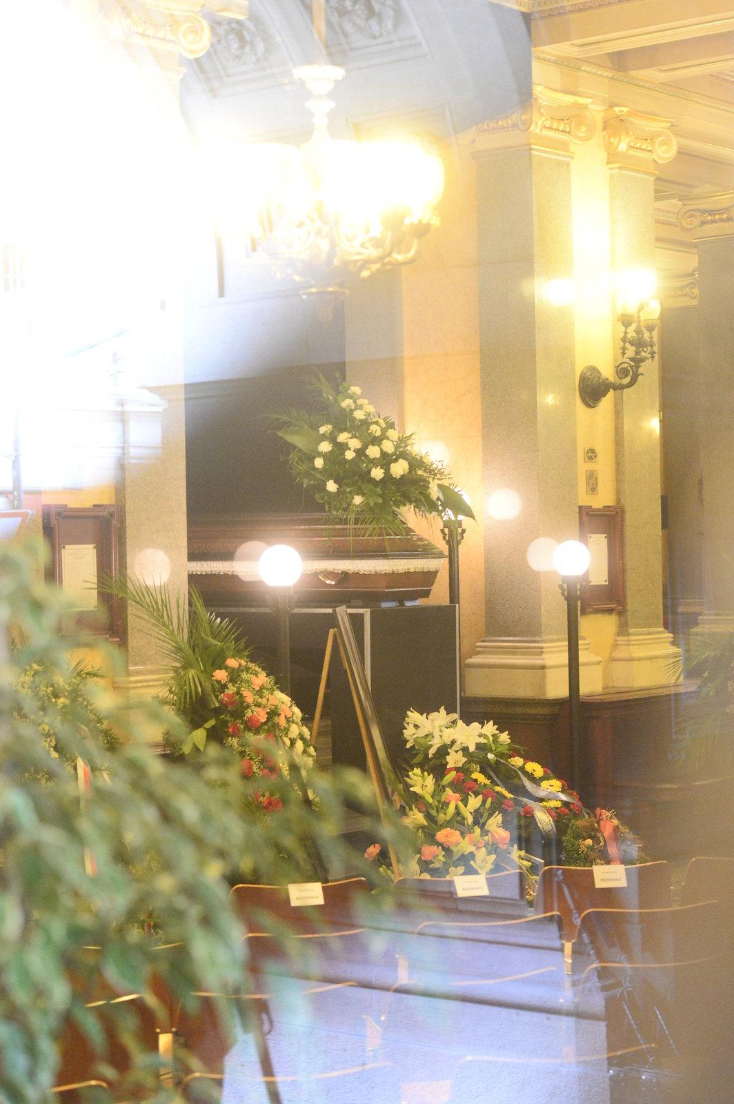 Poslední rozloučení s Lubou Skořepovou (†93).