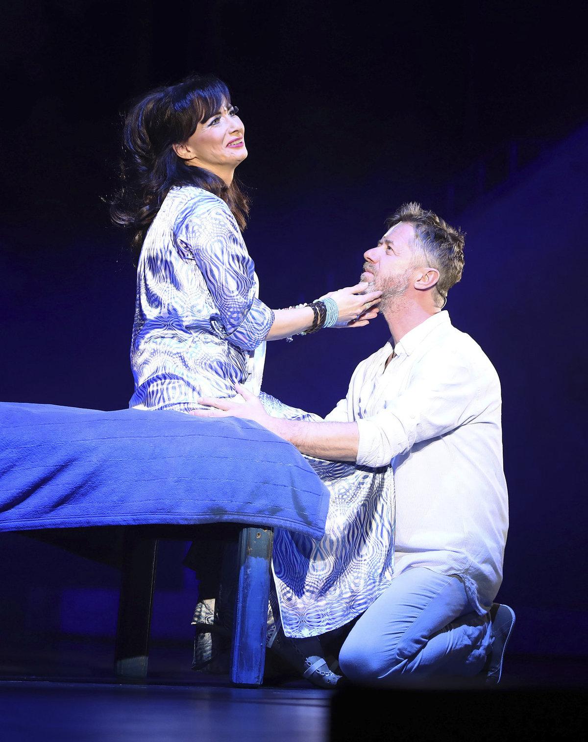 Daniela Šinkorová a Jiří Langmajer jako Donna a Sam v posledním přestavení muzikálu Mamma Mia!