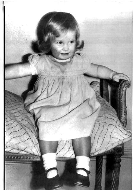Malá Diana Spencer (1963).
