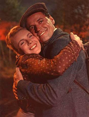 1955: Vlasta Chramostová v Rudá záře nad Kladnem