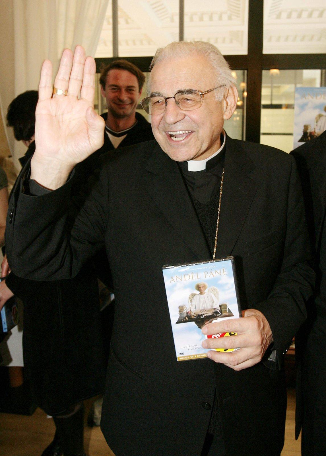 Kardinál Vlk podlehl rakovině. Z plic se rozšířila do kostí. Se smrtí byl smířený