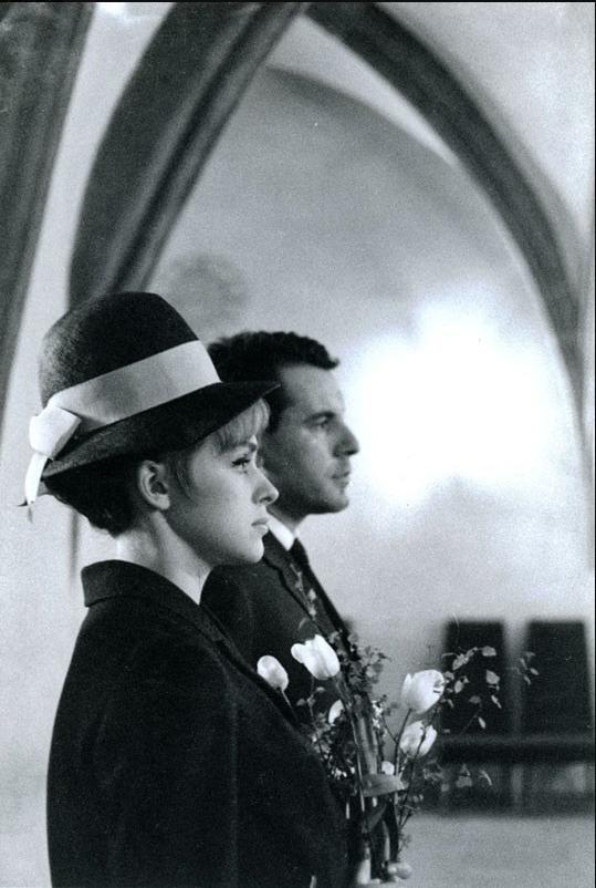 1964: Nevěstě bylo dvacet a ženichovi dvaatřicet.