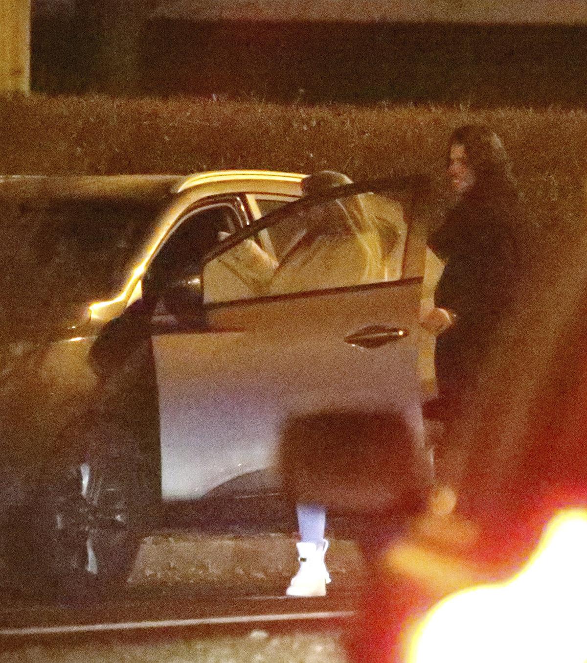 Krátce poté, co odjela Lucie, nastartoval vůz i Smečka.