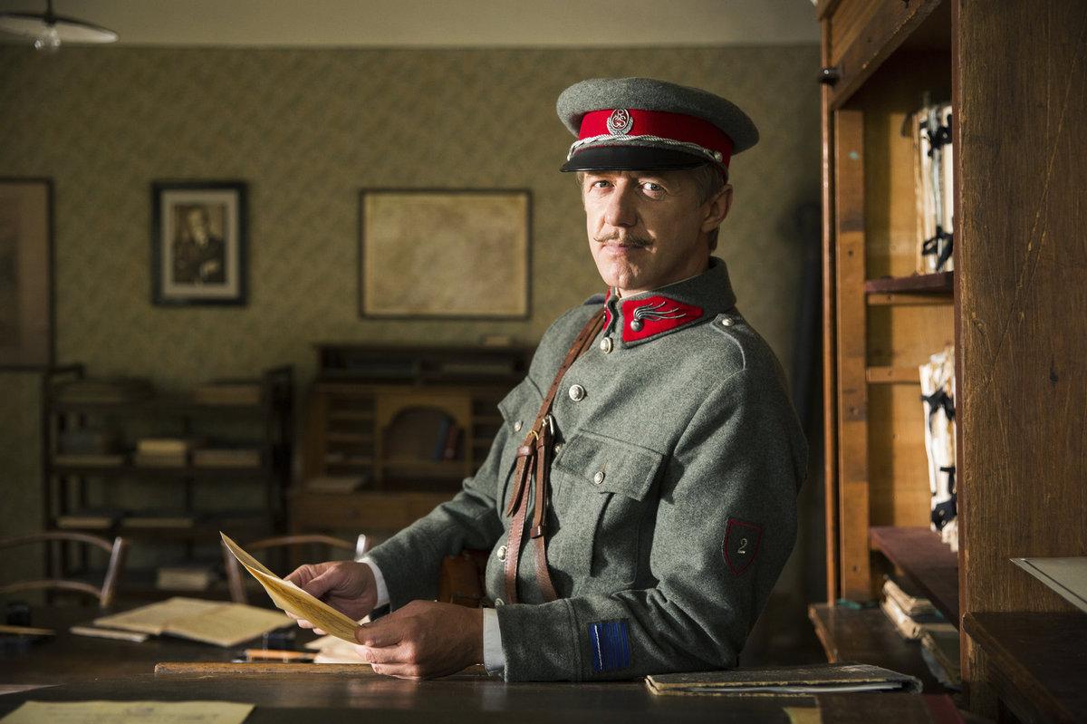 Jiří Langmajer má jako Arnošt Sova nezvyklého domácího mazlíčka.