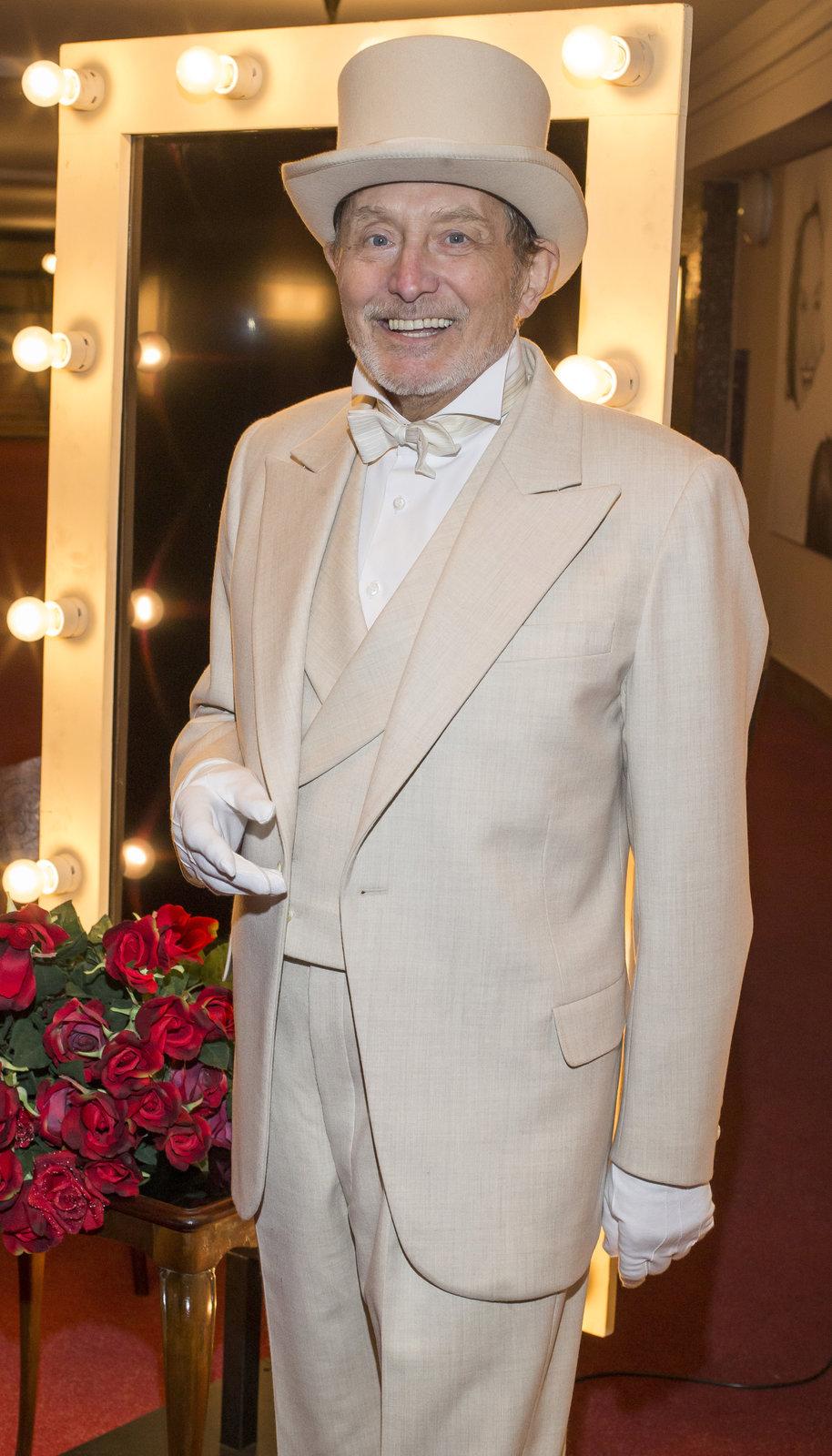 Ladislav Frej  v představení Studia Dva Funny Girl