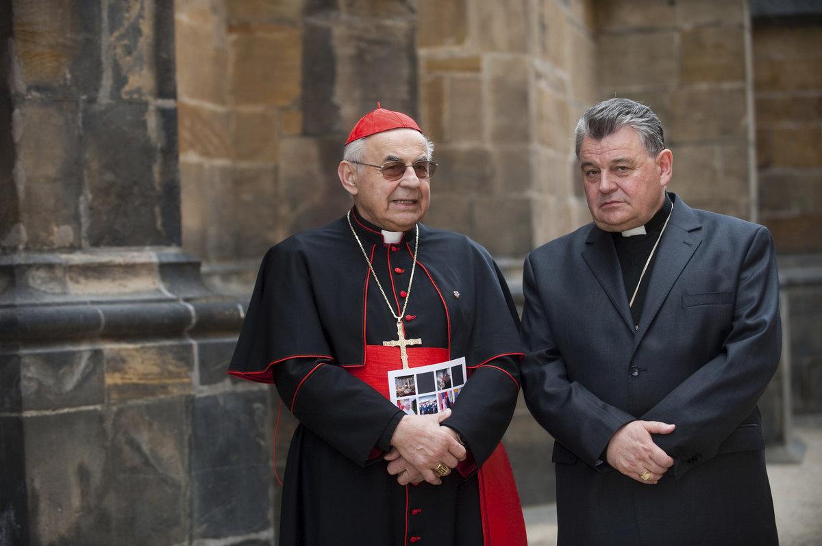 Miloslav Vlk (vlevo) a Dominik Duka.