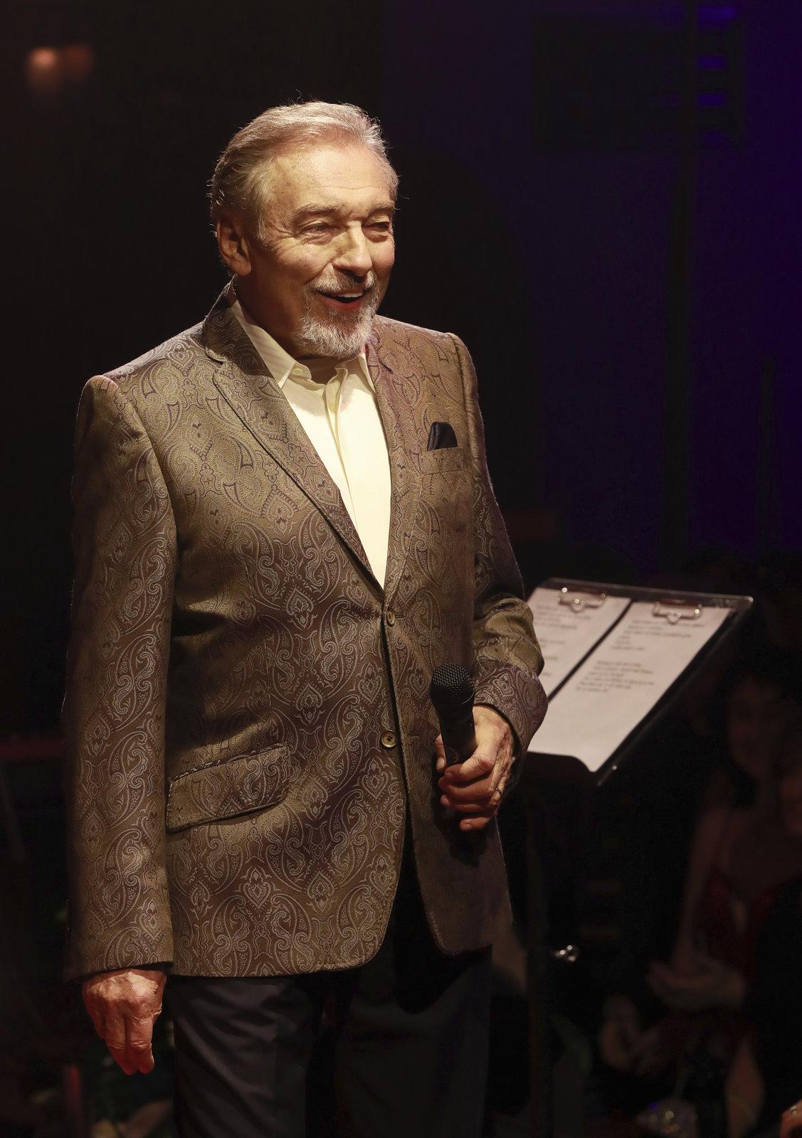 Karel Gott na plese Českého rozhlasu.