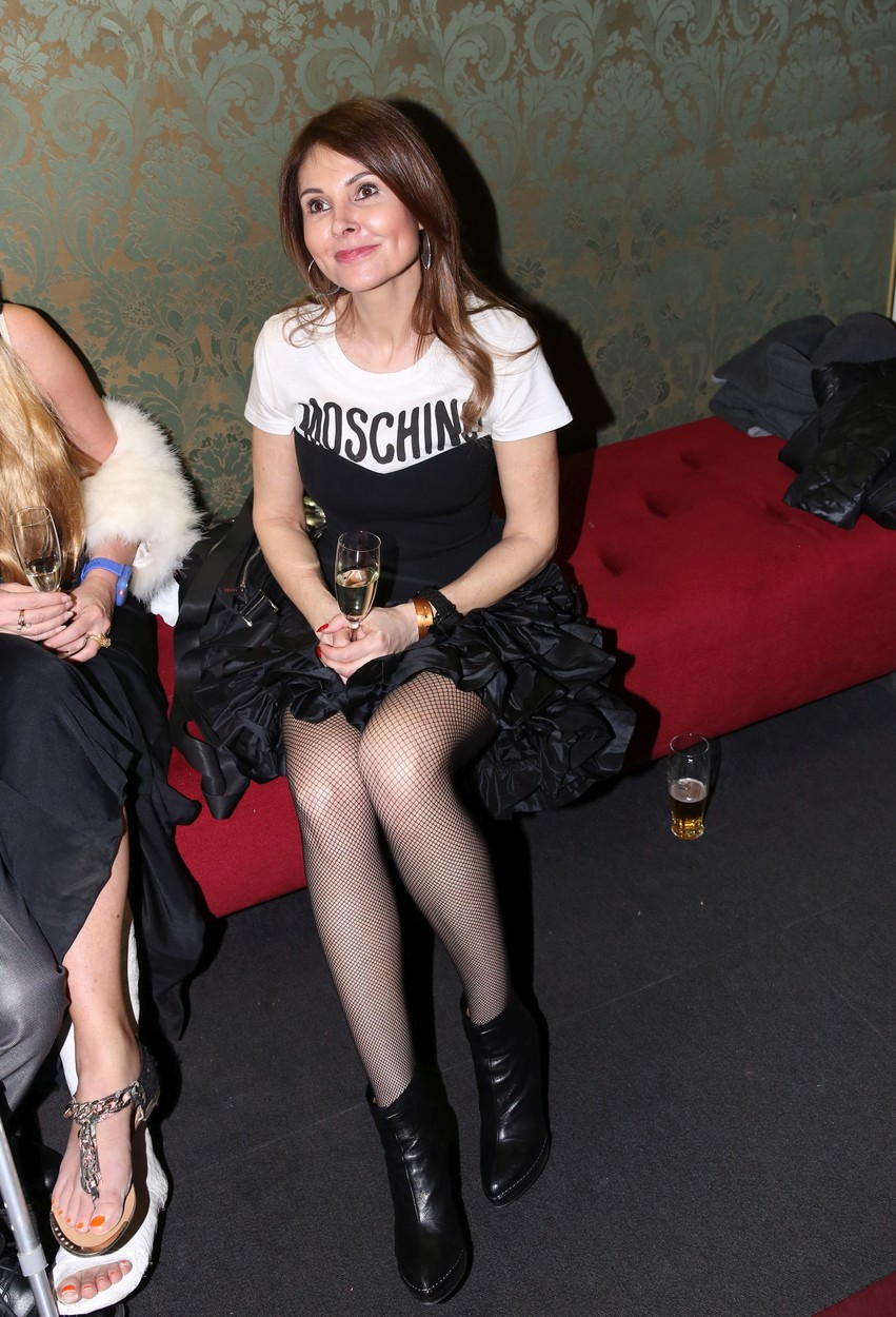 Partnerka Sagvana Tofiho v outfitu od Moschino.