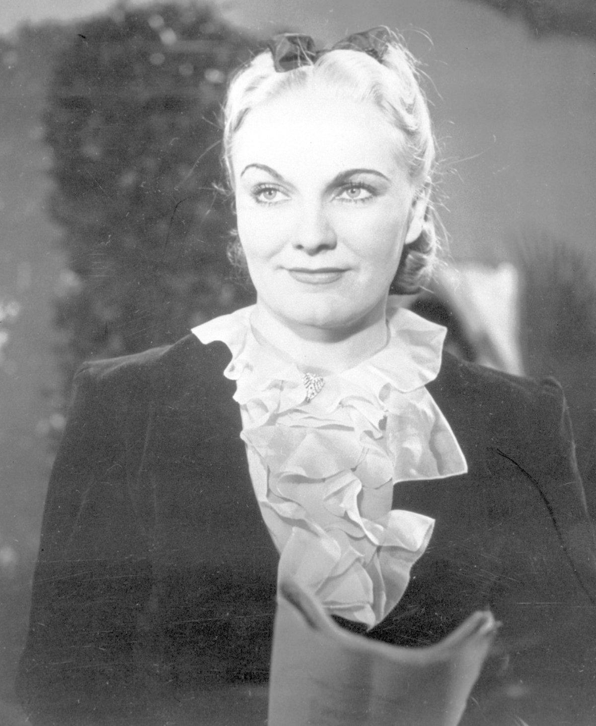 Jiřina Štěpničková neměla veselý život.