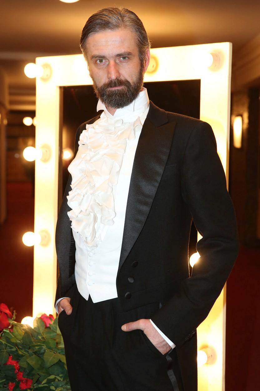 Roman Zach jako elegant.