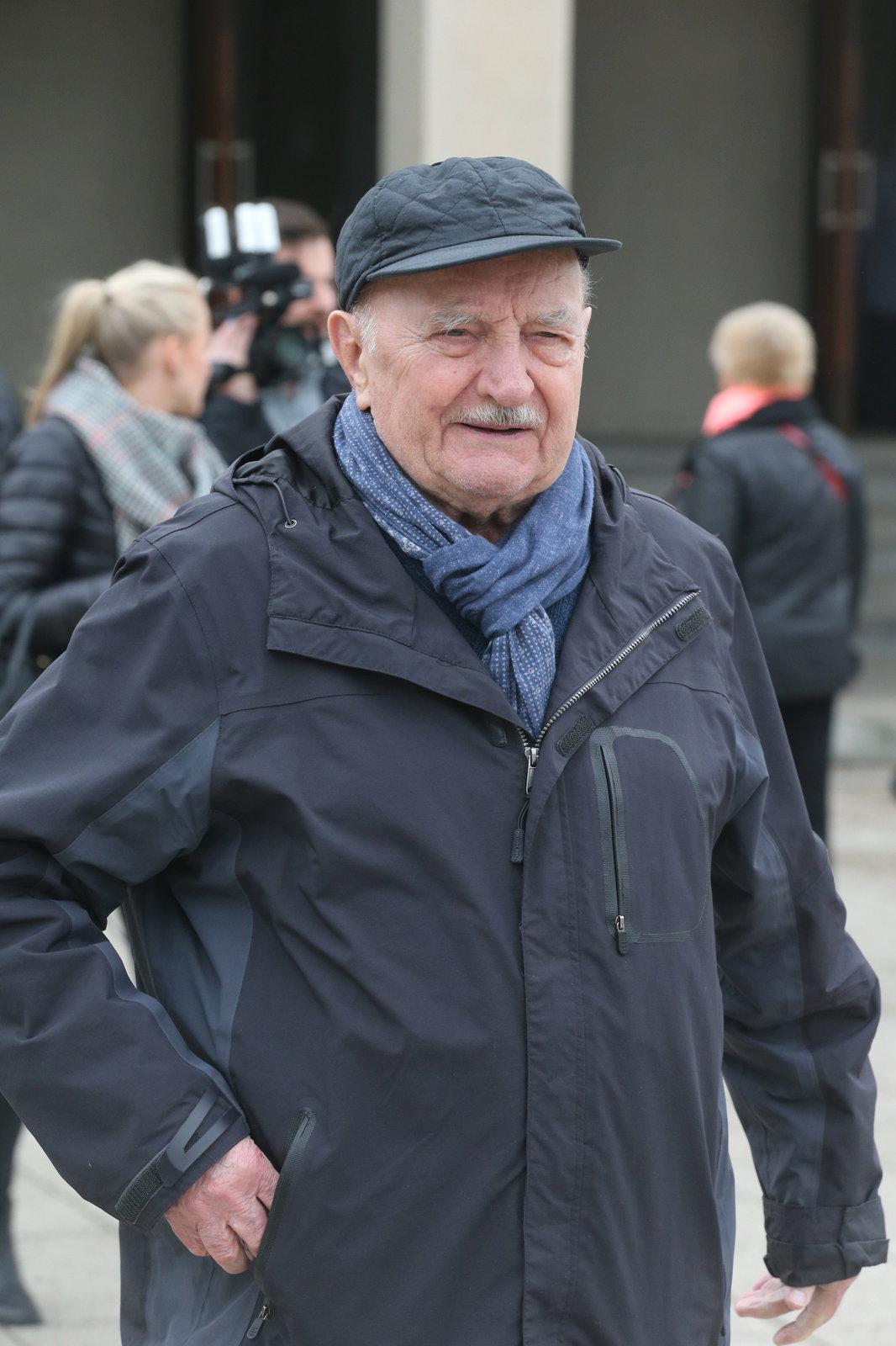 Josef Somr na pohřbu Libuše Havelkové.