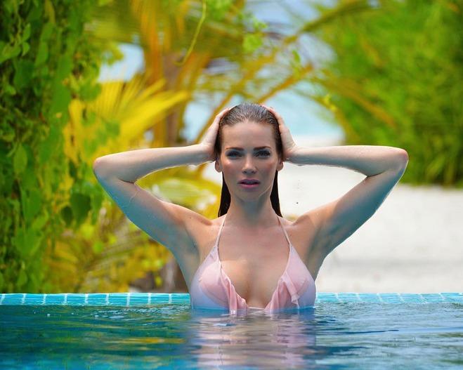 Andrea Verešová dráždí svou sexy postavou.