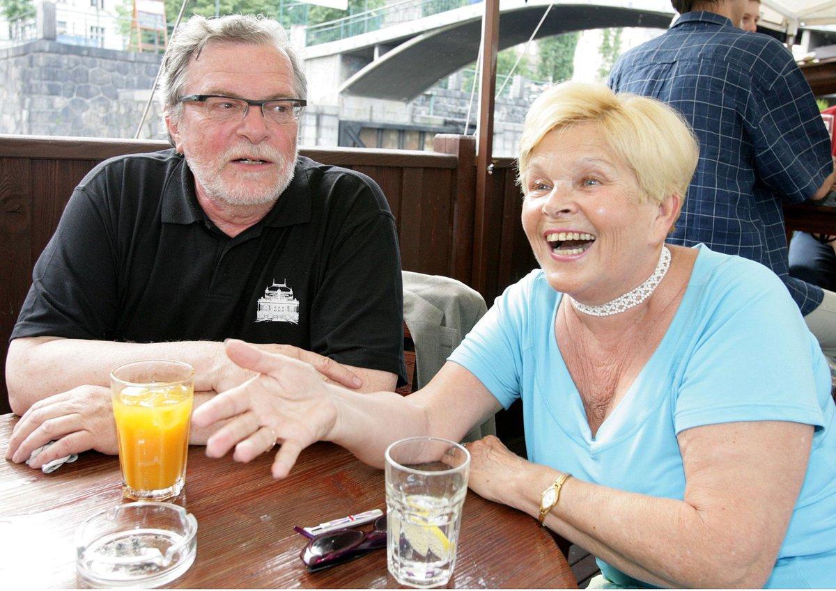 Ivanka Devátá a Jan Kačer si oba zahráli v seriálu Rodinná pouta.