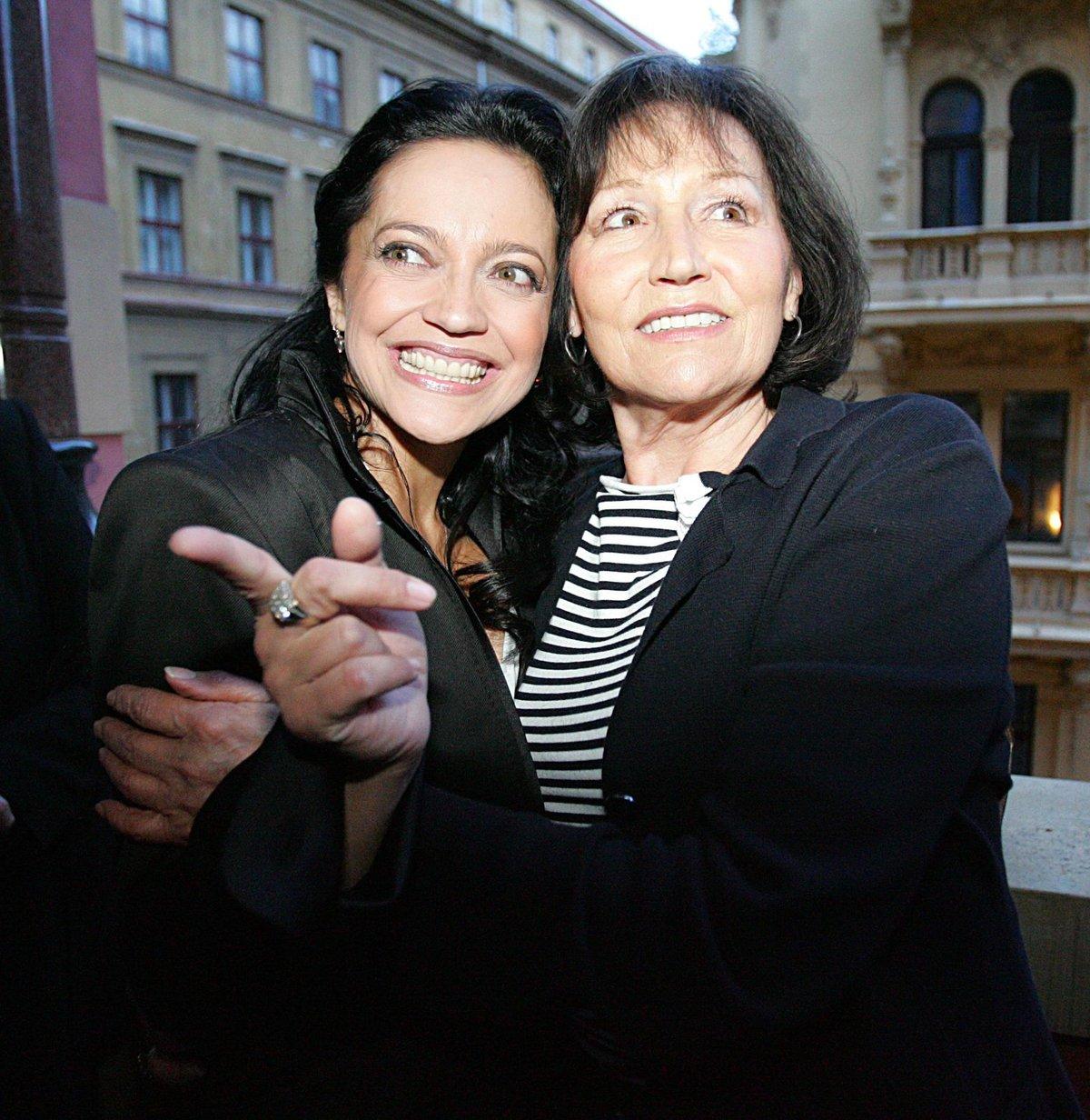 Marta Kubišová s Lucií Bílou- 2007