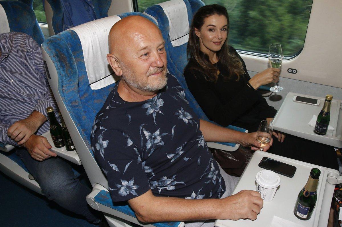 Iva s přítelem jeli vlakem