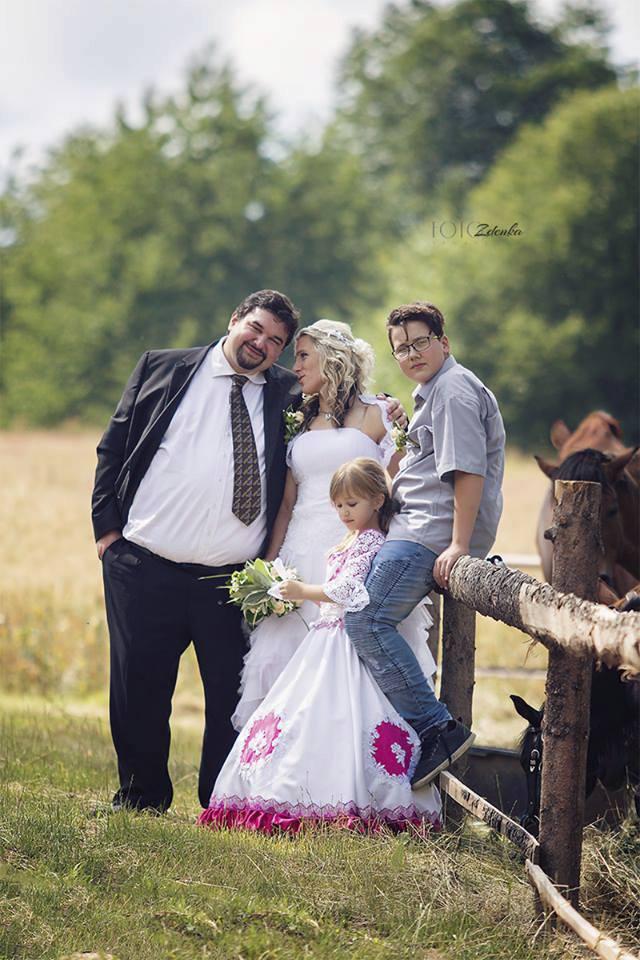 Tomáš Magnusek s manželkou Gabrielou a dětmi