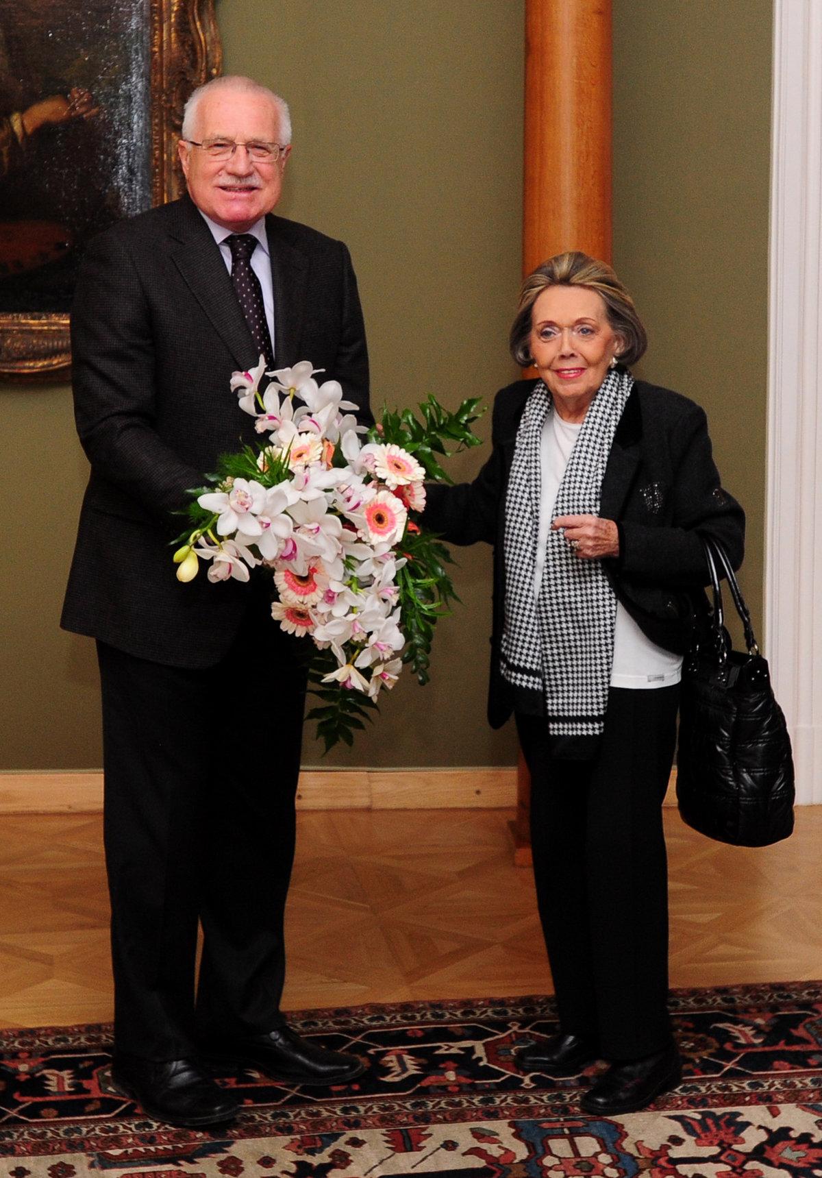 Jiřina Jirásková s ex prezidentem Václavem Klausem