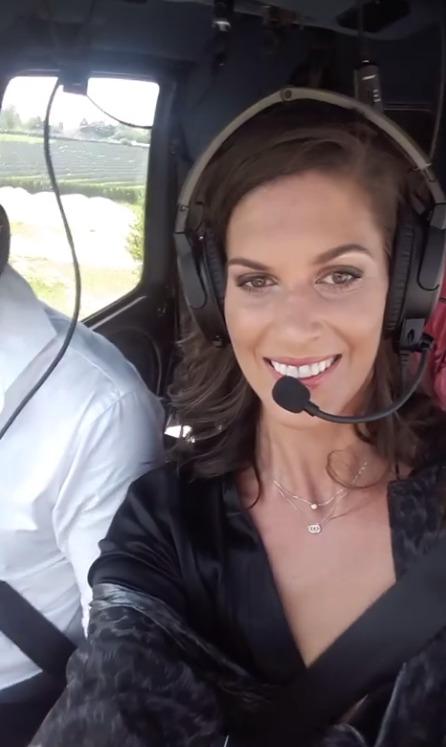 Aneta Vignerová ve vrtulníku